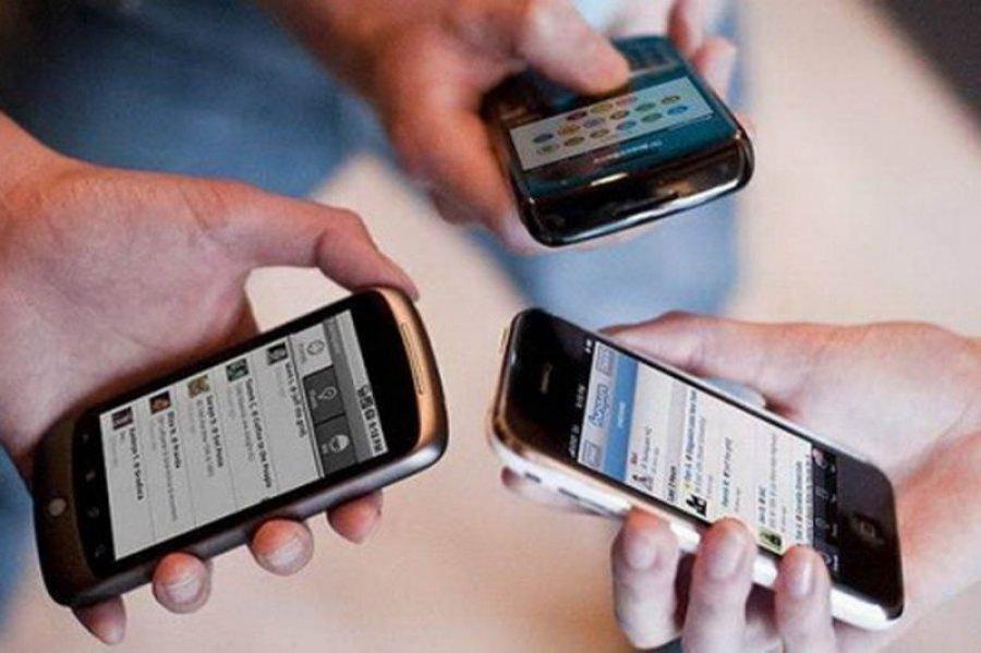 Koliko smo okupirani mobilnim telefonima?