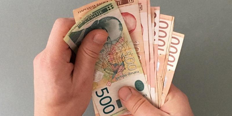PROSEČNA APRILSKA PLATA U SRBIJI – 416 €
