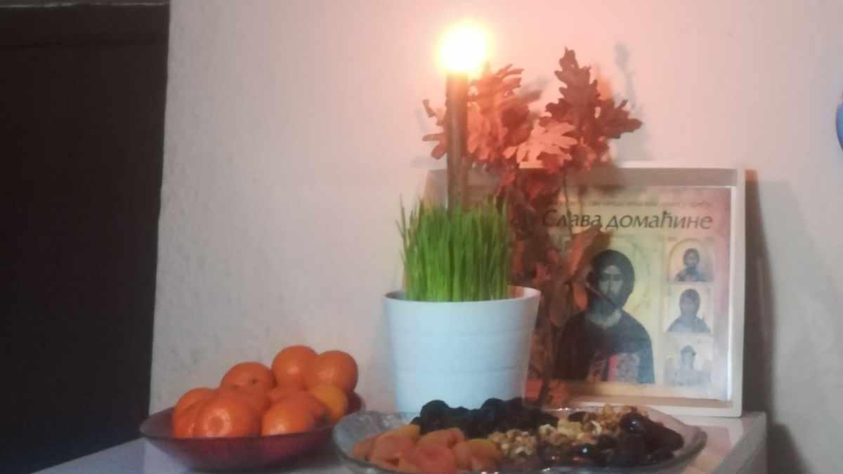 SA BADNJAKOM U SVAKI DOM ULAZI ISUS HRIST