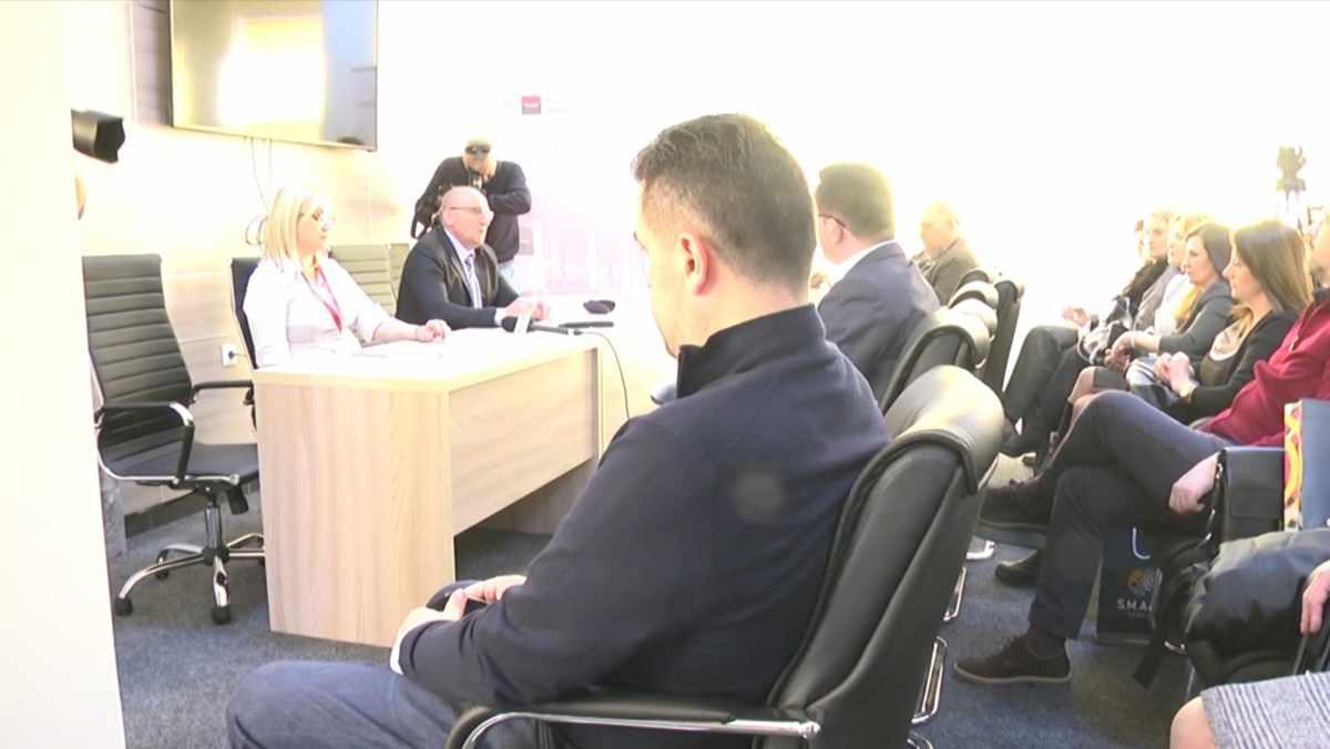 POVOLJNE KAMATNE STOPE NA STAMBENE KREDITE /video