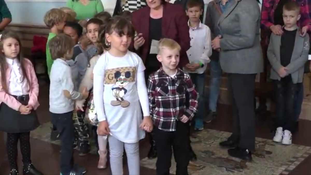 DECA POSETILA GRADSKU UPRAVU KRUŠEVAC /video