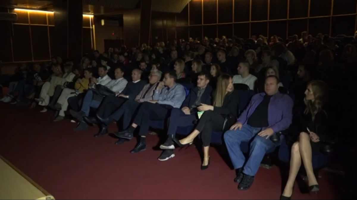 OTVOREN PRVI 3D BIOSKOP U RASINSKOM OKRUGU