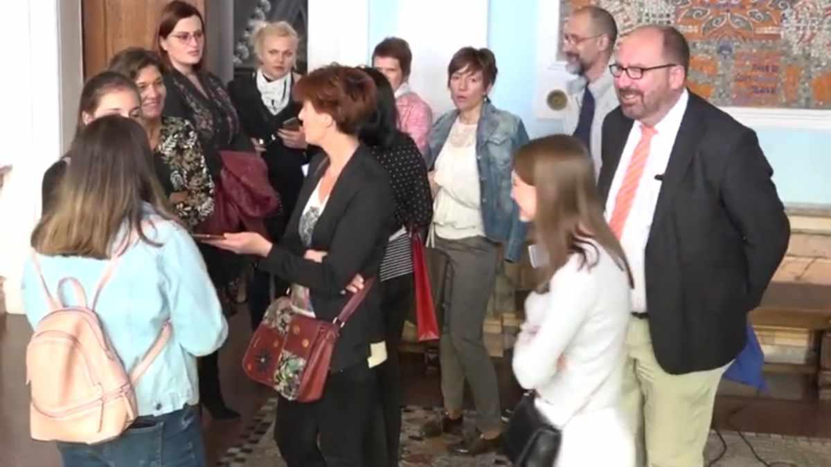 PRIJEM U GRADSKOJ KUĆI ZA ĐAKE IZ NEMAČKE /video